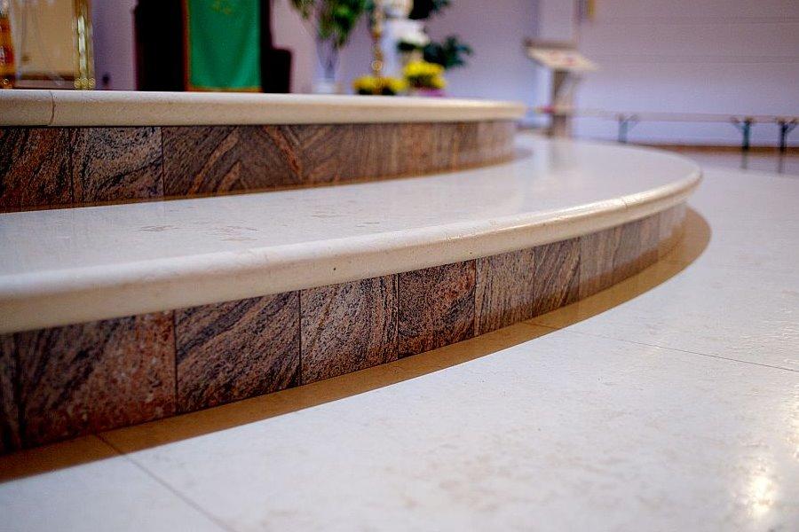 Marmurowe wykończenia wnętrz - schody marmurowe